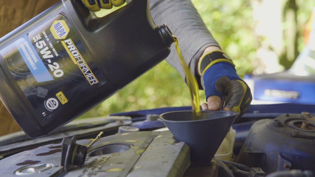 comment remettre de l'huile moteur propre