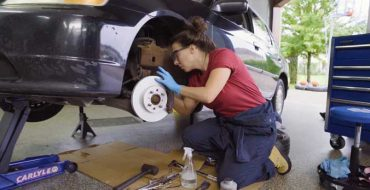 why-you-should-do-your-brake-service-NAPA