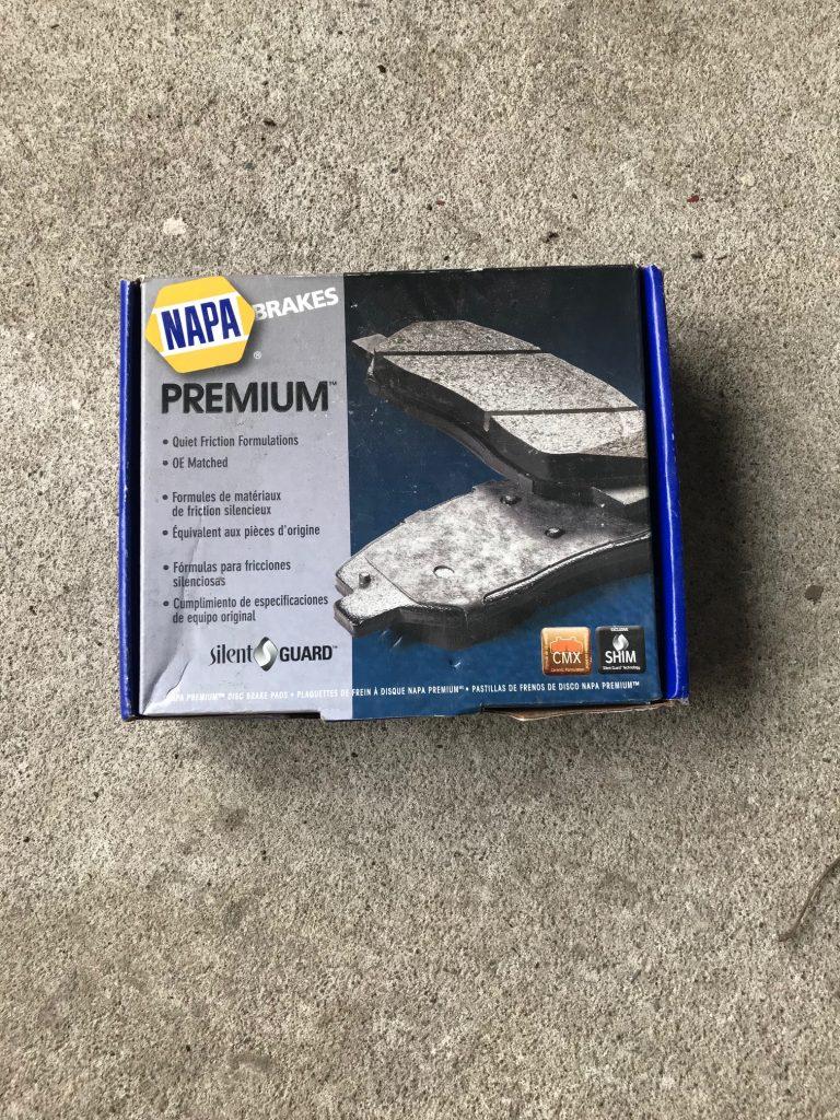 Plaquettes de frein NAPA Premium avec quincaillerie incluse pour un montage simple