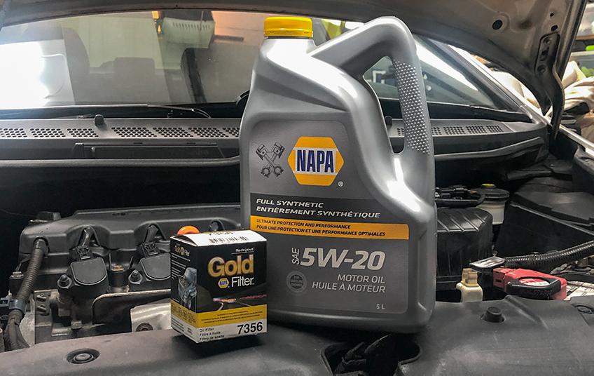 Vidange d'huile avec huile et filtre NAPA
