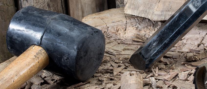 black rubber mallet
